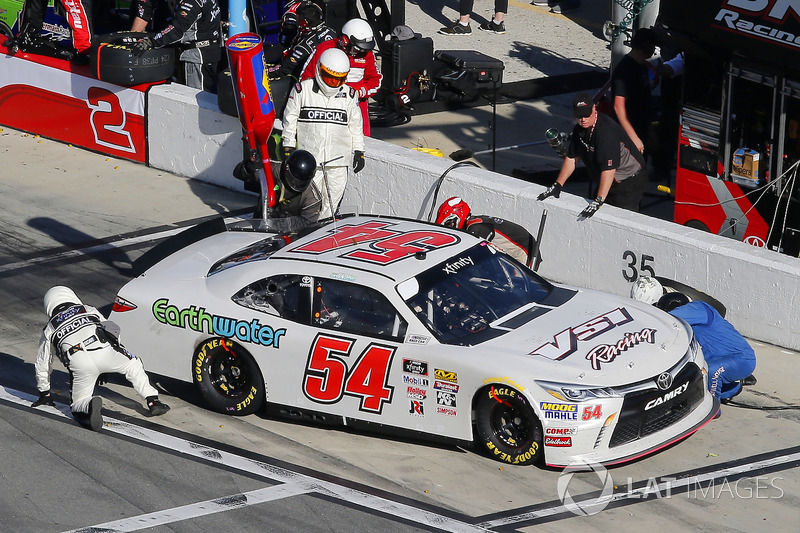 Gray Gaulding, NXT Motorsports, VSI Racing Toyota Camry pit stop