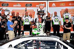 Il vincitore Tyler Reddick, JR Motorsports, BurgerFi Chevrolet Camaro
