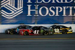 Matt DiBenedetto, GO FAS Racing Ford Fusion, Kurt Busch, Stewart-Haas Racing Ford Fusion, and Brenda