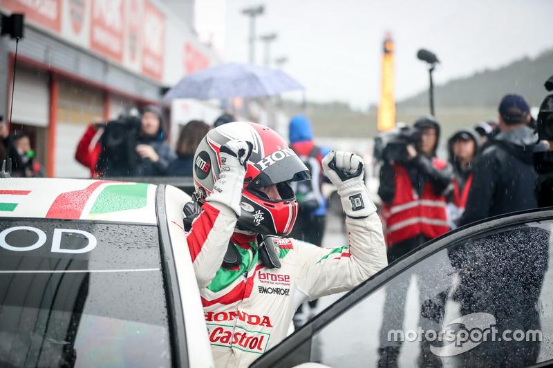 Race winner Norbert Michelisz, Honda Racing Team JAS, Honda Civic WTCC