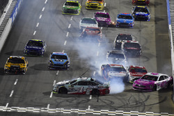 Kevin Harvick, Stewart-Haas Racing Ford en Trevor Bayne, Roush Fenway Racing Ford crash