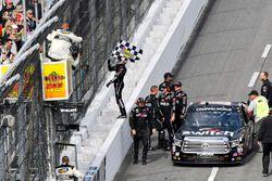Ganador, Noah Gragson, Kyle Busch Motorsports Toyota