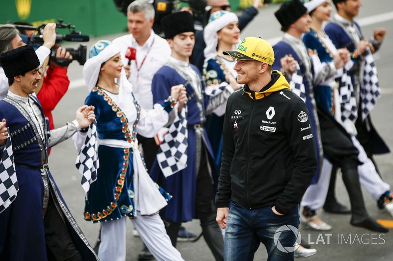 Nico Hulkenberg, Renault Sport F1 Team, saat di parade pembalap
