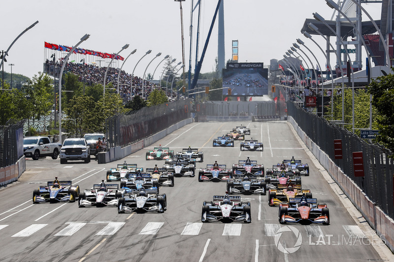 Aksi start IndyCar 2018