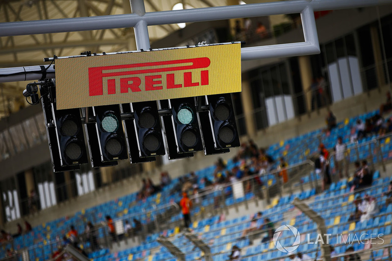 A Pirelli logo over the start lights