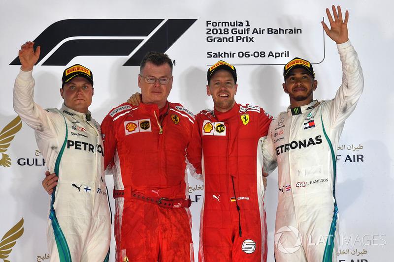 Lewis Hamilton completou o pódio na terceira posição