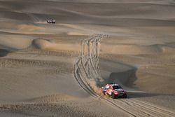 #301 Toyota Gazoo Racing Toyota: Nasser Al-Attiyah, Mathieu Baumel, #306 Peugeot Sport Peugeot 3008