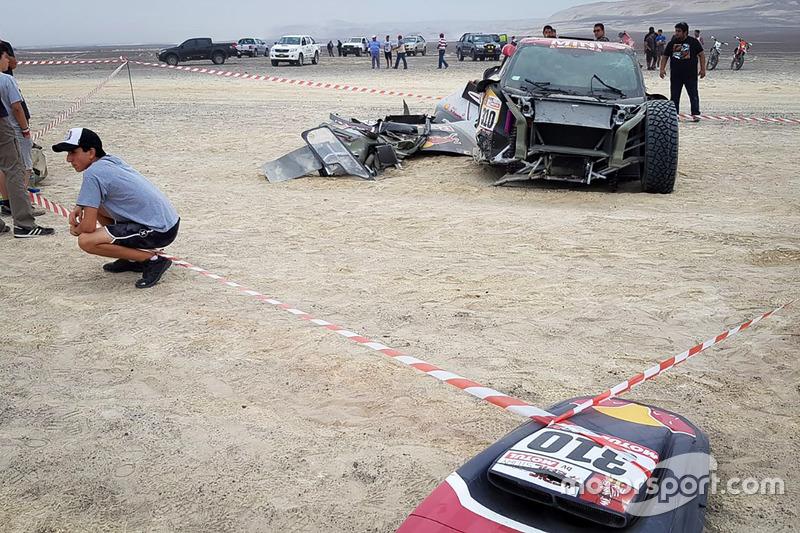#310 X-Raid Team Mini: Bryce Menzies, Peter Mortensen, összetört autó