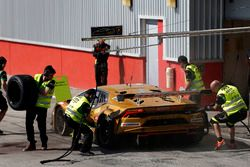 #963 GRT Grasser Racing Team Lamborghini Huracán GT3: Mark Ineichen, Roberto Pampanini, Christoph Le