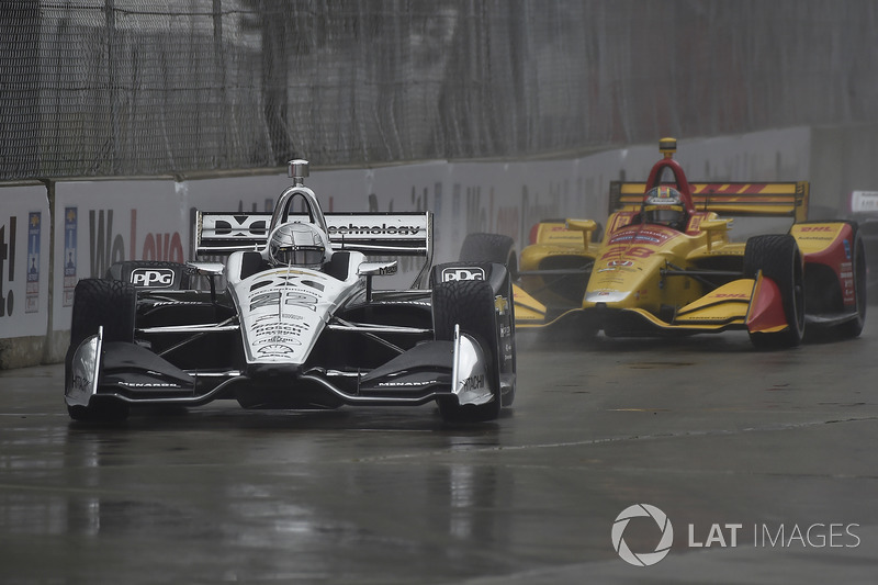 Simon Pagenaud, Team Penske Chevrolet qualifying in the rain