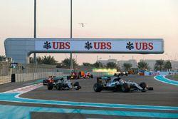 Lewis Hamilton, Mercedes F1 W07 Hybrid, leads Nico Rosberg, Mercedes F1 W07 Hybrid, and Kimi Raikkon