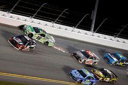Crash: Kyle Busch, Joe Gibbs Racing, Toyota Camry Interstate Batteries