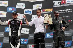 Podium: race winner Francisco Mora, M1RA Hyundai i30 N TCR, second place Dániel Nagy, M1RA Hyundai i30 N TCR