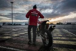 Приготовления команды Monster Energy Honda Team