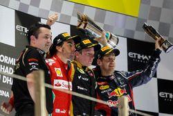 Podium: Eric Boullier, Team Principal, Lotus F1, second place Fernando Alonso, Ferrari, Race winner