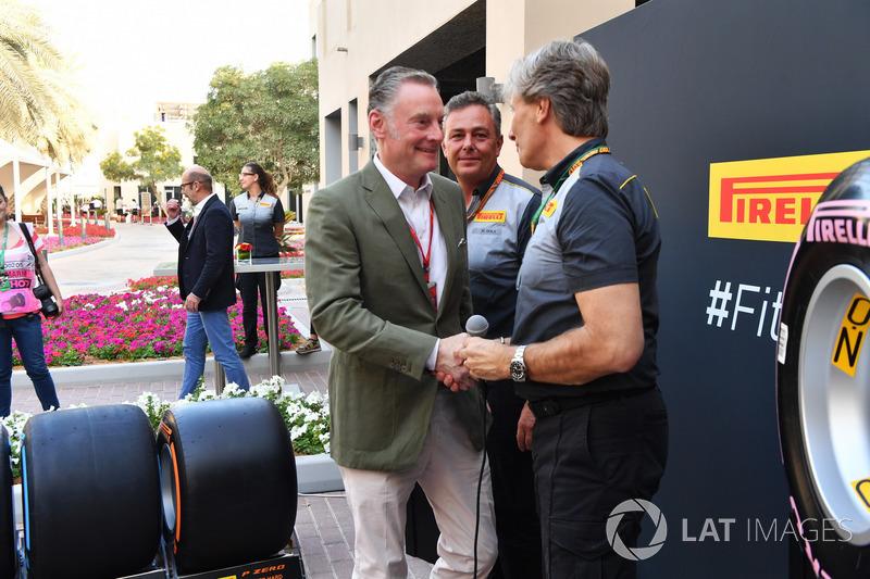 Sean Bratches, Formula One Operasyon Direktörü, Roberto Boccafogli, Pirelli İletişim Sorumlusu, Mario Isola, Pirelli Spor Direktörü