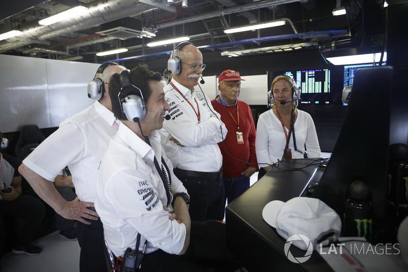 Toto Wolff, Direttore Esecutivo Mercedes AMG F1, Dr Dieter Zetsche, CEO, Mercedes Benz, Niki Lauda,