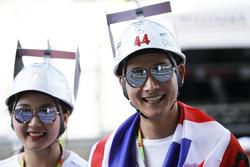 Des fans japonais de Lewis Hamilton, Mercedes AMG F1