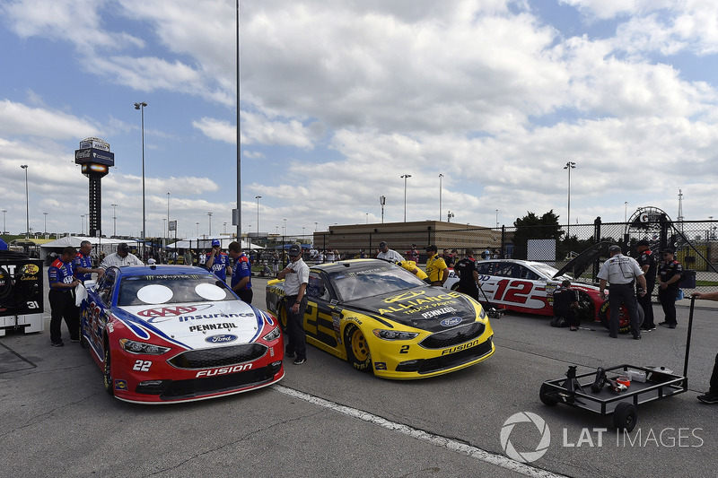 Joey Logano, Team Penske, Ford Fusion AAA Insurance, Brad Keselowski, Team Penske, Ford Fusion Alliance Truck Parts and Ryan Blaney, Team Penske, Ford Fusion REV Group