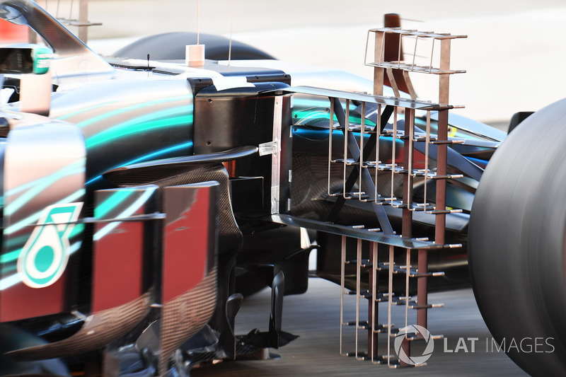 Lewis Hamilton, Mercedes-AMG F1 W09, dettaglio dei sensori aerodinamici