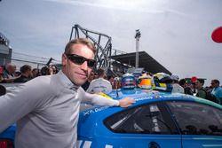 #33 Falken Motorsports BMW M6 GT3: Peter Dumbreck,