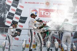 Podio AM Pro: #42 Strakka Racing Mercedes-AMG GT3: Nick Leventis, Chris Buncombe, Lewis Williamson, David Fumanelli