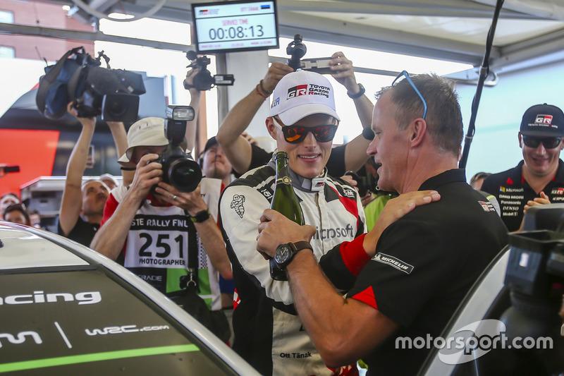 Il vincitore Ott Tanak, Toyota Gazoo Racing, Tommi Makinen
