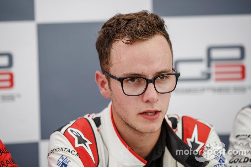 Al año siguiente, en 2017, el piloto pasó a la antigua GP3, hoy Fórmula 3.