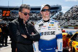 Brad Keselowski, Team Penske, Ford Fusion Reese/DrawTite con invitados