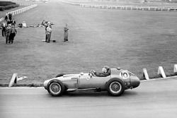 Mike Hawthorn in action in the Lancia-Ferrari 801