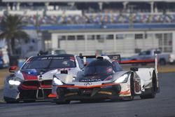 #7 Acura Team Penske Acura DPi, P: Helio Castroneves, Ricky Taylor, Graham Rahal, #25 BMW Team RLL B
