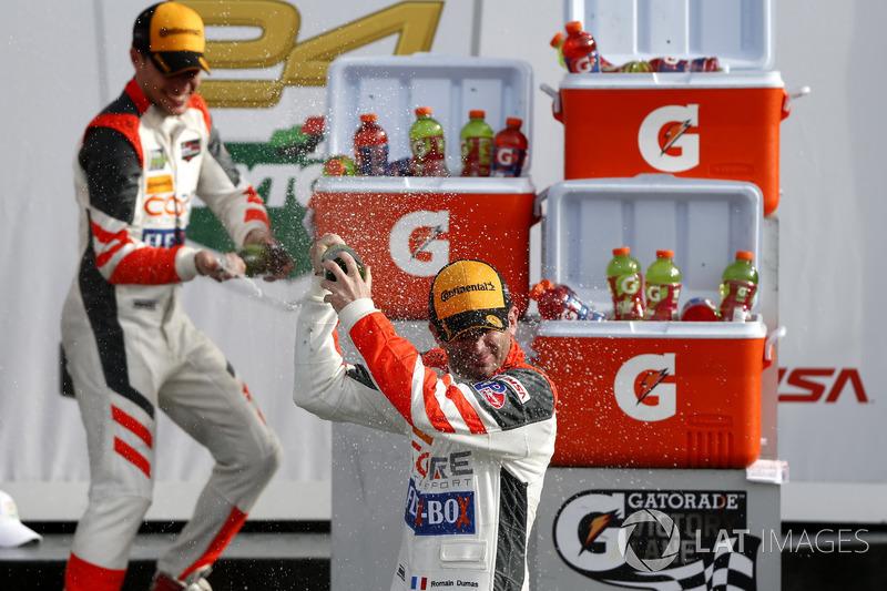Victory lane, Champagne shower, #54 CORE autosport ORECA LMP2: Romain Dumas, Loic Duval