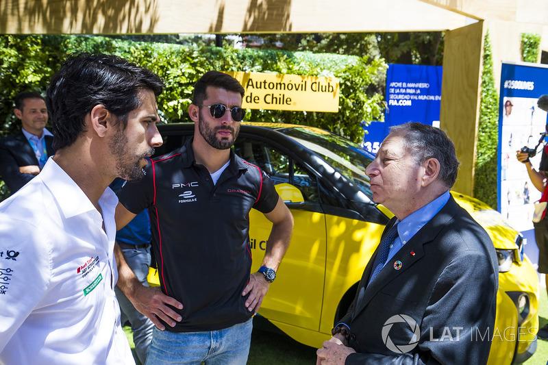 Jean Todt presidente de la FIA en el stand de e-Village, con José María López, Dragon Racing. & Luca