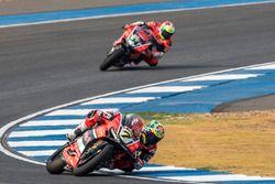Chaz Davies, Aruba.it Racing - Ducati Team e Davide Giugliano, Aruba.it Racing - Ducati Team
