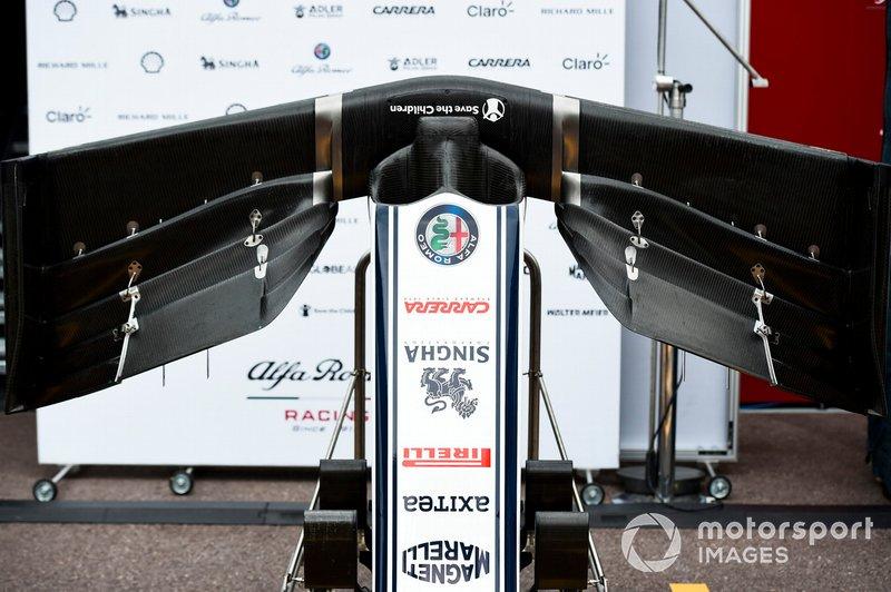 Alfa Romeo Racing C38 ala frontale