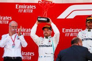 Valtteri Bottas, Mercedes AMG F1, 2nd position, receives his trophy