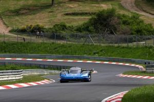 Romain Dumas, Volkswagen ID.R at the Nürburgring-Nordschleife chasing a new e-record