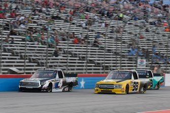 Todd Gilliland, Kyle Busch Motorsports, Toyota Tundra Mobil 1, Grant Enfinger, ThorSport Racing, Ford F-150, Johnny Sauter, ThorSport Racing, Ford F-150
