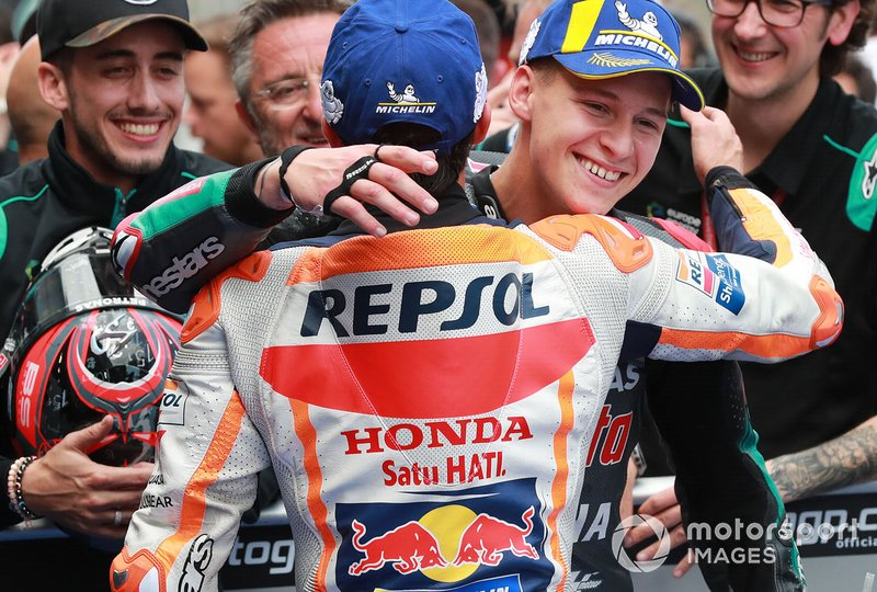 Ganador de la pole Fabio Quartararo, Petronas Yamaha SRT, tercero Marc Márquez, Repsol Honda Team