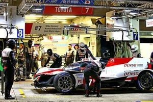 Damage to the #7 Toyota Gazoo Racing Toyota TS050: Mike Conway, Jose Maria Lopez, Kamui Kobayashi