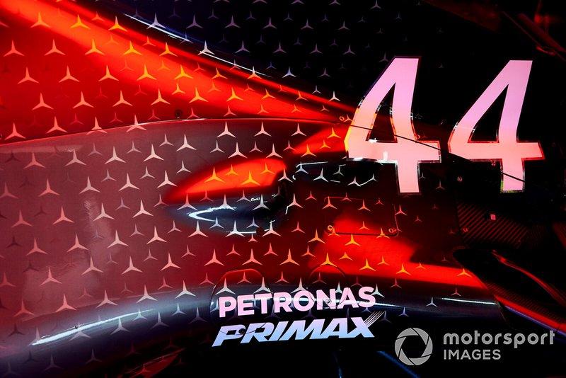 Bodywork sull'auto di Lewis Hamilton, Mercedes AMG F1 W10
