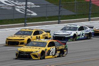 Erik Jones, Joe Gibbs Racing, Toyota Camry STANLEY William Byron, Hendrick Motorsports, Chevrolet Camaro Hertz
