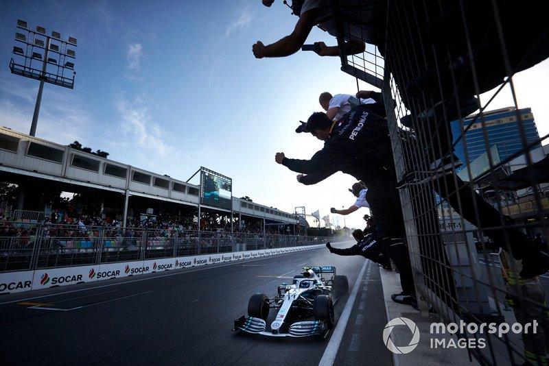2019 - Valtteri Bottas vence no Azerbaijão, dobradinha da Mercedes