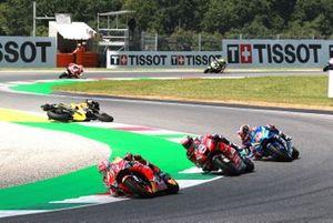 Jack Miller, Pramac Racing crashes behind Marc Marquez, Repsol Honda Team, Andrea Dovizioso, Ducati Team, Alex Rins, Team Suzuki MotoGP