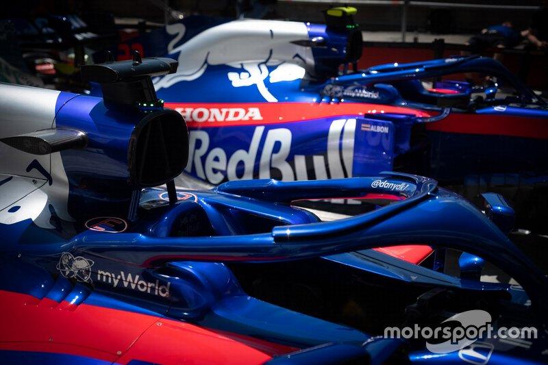Toro Rosso STR14 detail