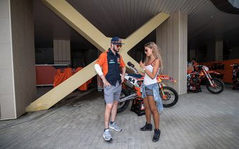 Jeffrey Herlings, Red Bull KTM Factory Racing in gesprek met MXGP-presentatrice Lisa Leyland