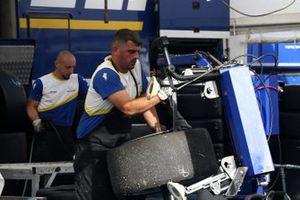 Tecnico Michelin al lavoro
