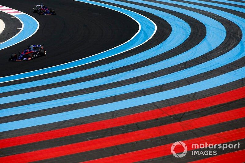 Alexander Albon, Toro Rosso STR14, Daniil Kvyat, Toro Rosso STR14