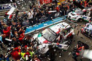 Yarış galibi Ma Qing Hua, Team Mulsanne Alfa Romeo Giulietta TCR