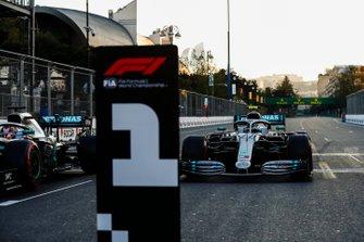 Polesitter Valtteri Bottas, Mercedes AMG W10 Drives into Parc Ferme